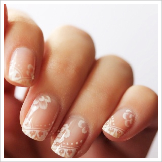 Lace Nail Art Is Trending For Brides And Its Easy To See Why It Compliments Vintage Inspired Wedding Dresses Beautifully